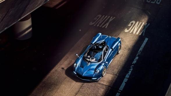 Pagani Huayra Roadster, masina cu o aura speciala pentru drumuri incinse de vara