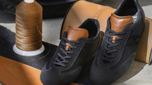 Pantofi sport care se asorteaza cu bolidul Aston Martin DB11