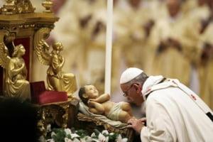 Papa Fracisc, la prima sa slujba de Craciun: Dumnezeu este lumina
