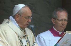 Papa Francisc: Jurnalismul bazat pe barfe si zvonuri e o forma de terorism