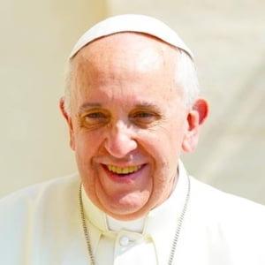 Papa Francisc ii sustine pe cei care protesteaza fata de populism si xenofobie