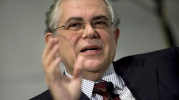Papademos: Miza este ramanerea Greciei in zona euro!