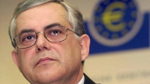 Papademos: Singurul mod de a asigurarea finantare internationala este reducerea salariilor
