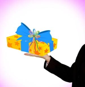 Paradox romanesc: Suntem saraci, dar facem cadouri de Craciun mai scumpe decat restul europenilor. Iata de ce