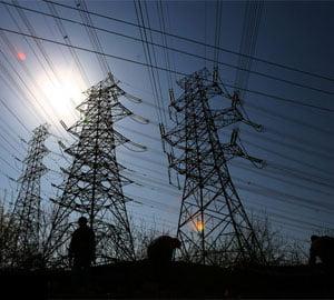 Paradoxul energetic: pretul creste, desi consumul si exportul scad