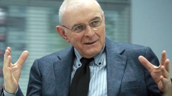 Paradoxul romanesc: Avem criza economica, dar am evitat criza financiara (Adrian Vasilescu)