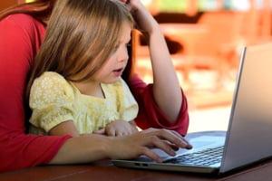 Parintii care stau acasa cu copiii trebuie sa se intoarca la munca in perioada vacantei de Paste