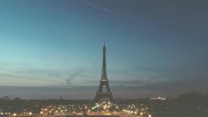 Parisul este blocat, avertizeaza MAE: Transportatorii fac greva pana sambata