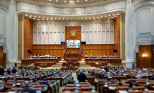 Parlament: Cand se inchid scolile, angajatorii trebuie sa dea liber parintilor. Plata: Maxim 75% din salariul mediu pe tara