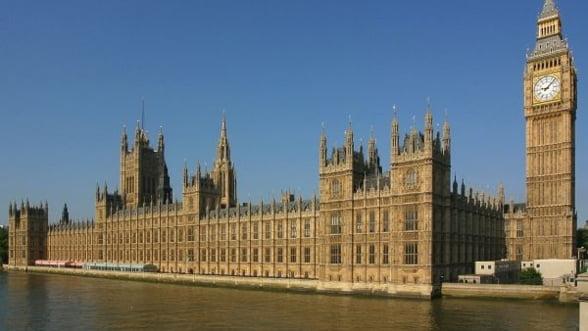Parlamentari britanici: Guvernul duce o batalie fara sanse cu evaziunea fiscala