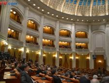 Parlamentul a adoptat eliminarea pensiilor speciale. Legea merge la Iohannis