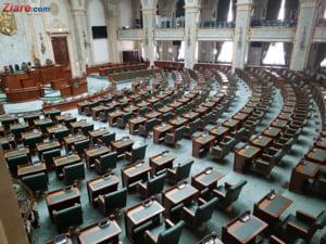 Parlamentul a decis: Alesii locali aflati in conflict de interese raman fara 10% din indemnizatie