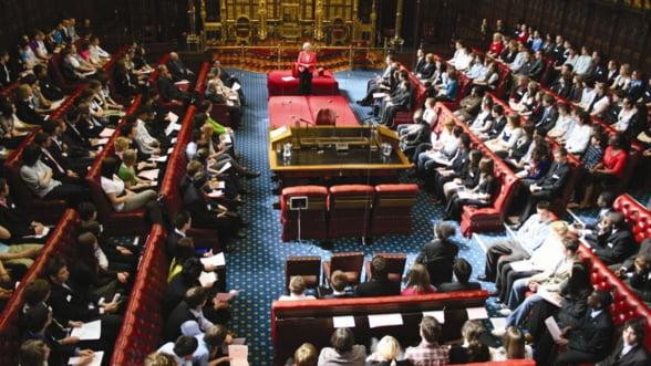 Parlamentul britanic respinge un proiect de referendum privind relatiile tarii cu UE