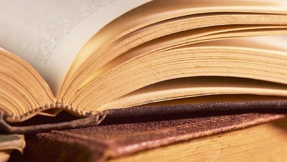 Participarea Romania la Targul de carte LIBER 2013 se incheie sambata cu discutii despre literatura