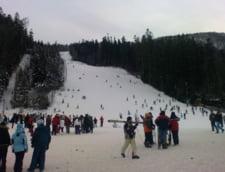 Partiile Azuga si Busteni au atras peste 2.500 de turisti, in weekend
