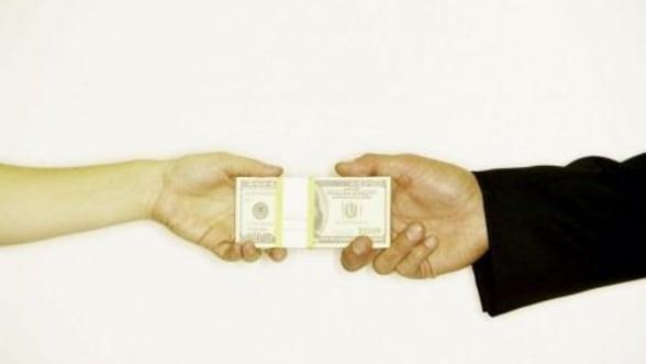 Pastele 2013 a adus o crestere cu 20% a transferurilor de bani catre Romania