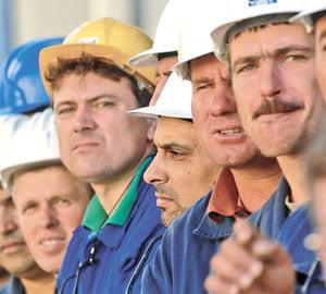 Patriciu : Piata imobiliara va scadea cu inca 50%