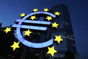Patru scenarii posibile pentru viitorul euro si al uniunii monetare