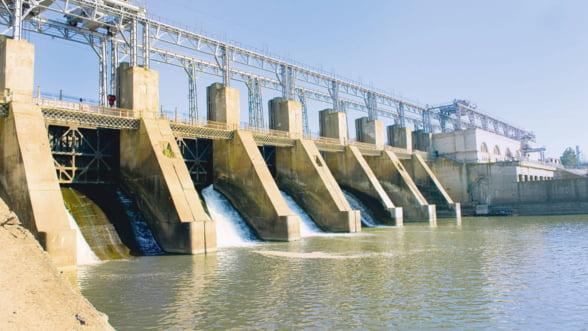 Patruzeci de candidati pe un loc in conducerea Hidroelectrica