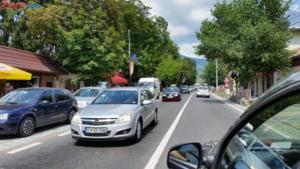 Pe modelul Firea, primarul orasului Comarnic vrea sa bage taxa pentru masinile de Bucuresti si Ilfov