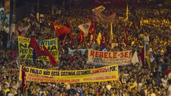 Pele sustine protestele din Brazilia. Peste un milion de persoane in strada