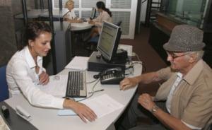 Pensionarii bugetari vor avea de ales intre pensie si salariu