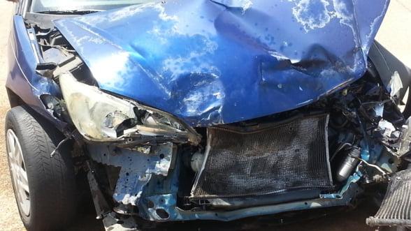 Pentru ca legea permite: Reparatia masinii costa mai mult cu asigurare decat fara