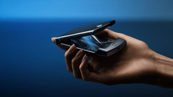 Pentru nostalgici: Motorola reinventeaza modelul pliabil razr