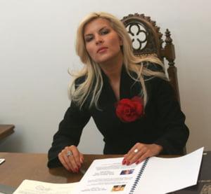 Pentru salvarea litoralului, Elena Udrea vrea mai multe chartere, cazinouri si Spa-uri