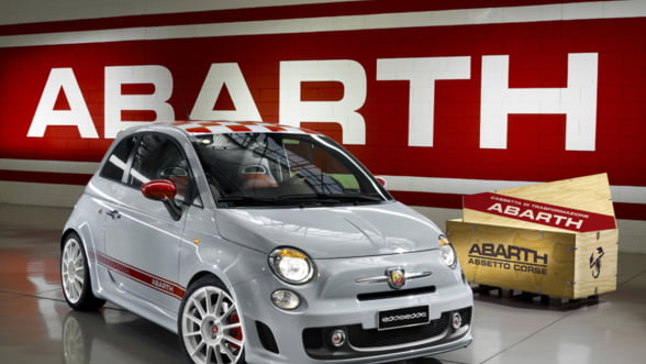 Personalizeaza-ti masina: Fiat 500 Abarth, esenta tare intr-o sticluta mica
