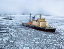 Pescuitul interzis la Polul Nord - pescadoarele fac loc tancurilor petroliere