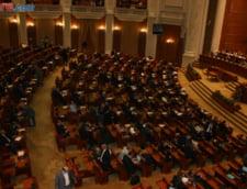 Peste 100 de taxe, eliminate de Parlament, inclusiv timbrul de mediu si taxa radio-tv