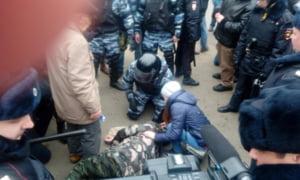 Peste 250 de manifestanti au fost arestati la Moscova, dupa ce au demonstrat impotriva lui Vladimir Putin