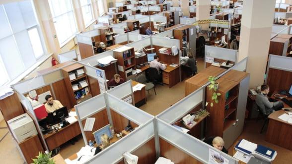 Peste 7.000 de locuri de munca au fost desfiintate de vineri pana luni