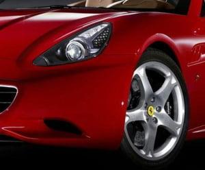 Pia?a auto high luxury din Romania nu este afectat? de sc?deri