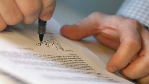 Piata de asigurari: Scaderi de 4,3% in 2011