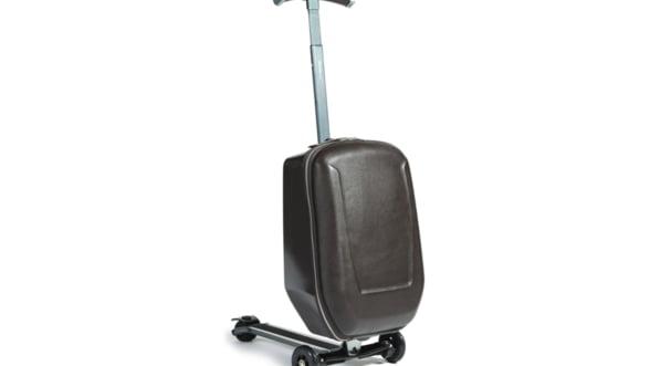 Pierzi avionul? Urca-te pe bagaj si ia-o la goana!