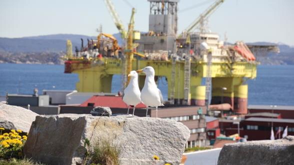 Platforma petroliera Gloria a fost readusa la tarm, dupa 40 de ani de functionare