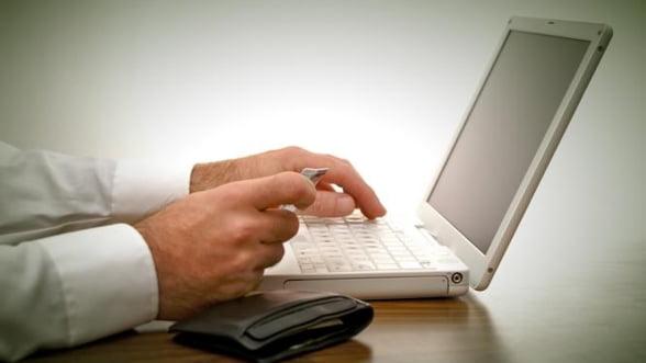 Platile online cu cardul vor atinge 5 milioane de tranzactii in 2012