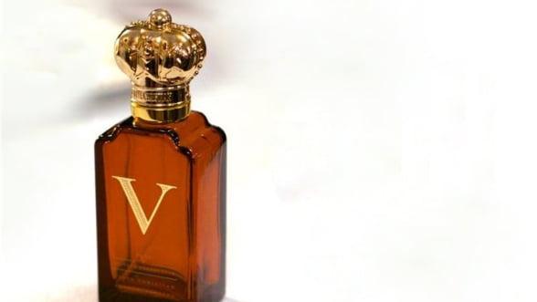 Poarta un parfum exclusivist, garantat de Regina Victoria
