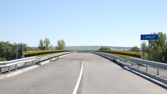 Pod rutier peste Prut, la Ungheni. Studiul de fezabilitate costa 600.000 euro