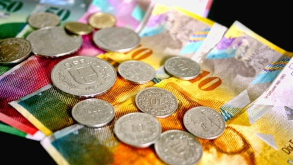 Polonia ar putea converti creditele luate in franci elvetieni
