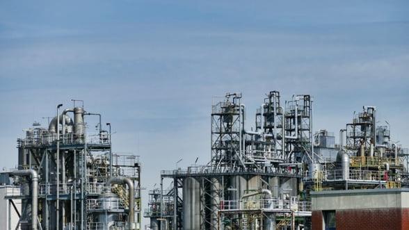 Polonia scoate 800.000 de tone de titei din rezerva de stat dupa ce a oprit importurile din Rusia