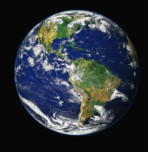 Polul Nord magnetic al Pamantului se deplaseaza spre Rusia. Cum ne afecteaza