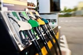 """Ponta: Care este pretul """"corect"""" al carburantilor?"""