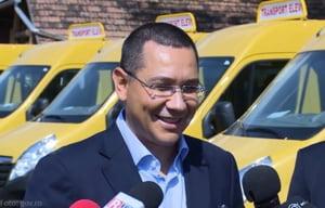 Ponta, despre manuale: Daca exista greseli din partea ministerului voi lua masuri
