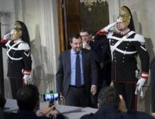 Populistii si extrema dreapta din Italia vor incearca din nou sa formeze guvernul. Premierul tehnocrat desemnat de presedinte s-a retras