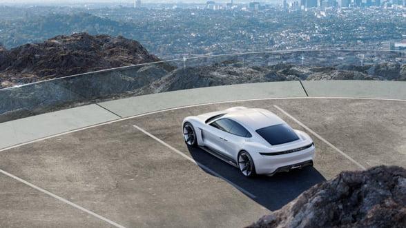 Porsche scoate asul din maneca: Un bolid electric pe placul oricui