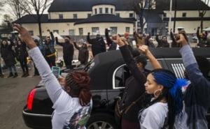 Povestea fotografiei-simbol de la protestele din SUA