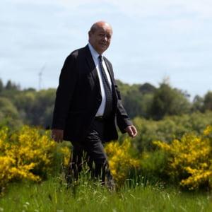 Povestea unei escrocherii de 8 milioane de euro: Cum a fost implicat fara sa stie si ministrul de Externe al Frantei